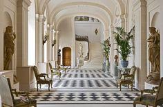 Architecture Classique, Interior Architecture, French Interior, Classic Interior, French Chateau Homes, French Chateau Decor, Exterior Design, Interior And Exterior, Chateau Hotel