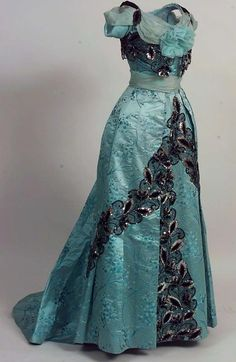 1900, France Evening dress by Madame Menol  Silk, chiffon, velvet, tulle, lace, sequins, beads Norsk Folkemuseum https://www.digitaltmuseum.no/011023193386/skjort?aq=owner%3A%22NF%22+timeprod%3A%221901+TO+1901%22&i=4 http://bellanblue.com