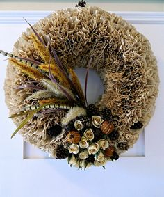 DIY:: Fall Coffee Filter Wreath BY @Amit Ashckenazi Ashckenazi Sharma Charm Lisa- Coffee Filter Wreath, Coffee Filter Crafts, Coffee Filters, Halloween Crafts, Holiday Crafts, Holiday Ideas, Camping Crafts, Fun Crafts, Recycled Crafts