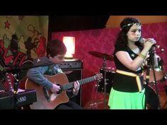 Vitrola em Brasa: Crianças sobem ao palco e surpreendem geral com co...