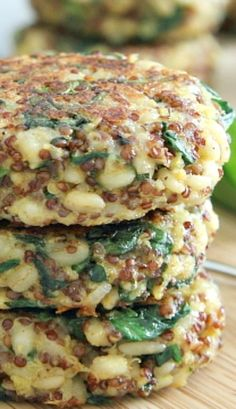Spinach and Cheddar Quinoa Cakes with Creamy Buffalo