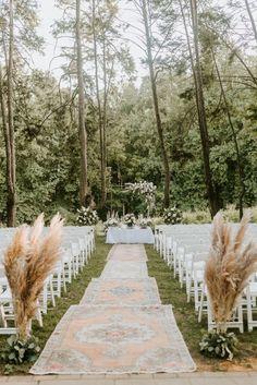 Wedding Walkway, Wedding Aisle Outdoor, Outdoor Wedding Decorations, Wedding Ceremony Seating, Wedding Ceremonies, Wedding Arches, Wedding Backdrops, Ceremony Backdrop, Wedding Isles