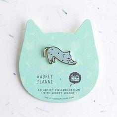 Audrey Jeanne Brooch – Blue Cat