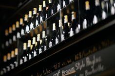 Reservoir- 9 duluth Est: 514849 7779Fish n' chips d'aiglefin, frites, verdure et sauce tartare — 16.    Omble chevalier poêlé, pdt rattes, carottes, haricots et sauce au lait de coco et cari rouge — 17.    Pastilla d'agneau braisé au ras el hanout, pistaches, carottes, caviar d'aubergine, figues fraîches — 18.50    Flanc de porc braisé sur risotto à la pancetta et mascarpone, girolles — 18.    Tataki de boeuf, falafels et yogourt au citron mariné — 17.
