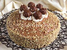 italian holidays in june Torta Ferrero Rocher, Rocher Torte, Ferro Rocher Cake, Easy Delicious Recipes, Sweet Recipes, Cake Recipes, Yummy Food, Biscotti, Cooking Cake