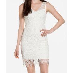 White lace v-neck sleeveless sheath bbdakota sz2 Brand new with tags. White lace sleeveless v-neck sheath dress with scallop hem. Bb dakota. Sz2. No PayPal, no trades. Bust: 31 in. Waist: 26 in. Hip: 32 in. BB Dakota Dresses