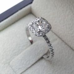 1.75 CT CUSHION CUT VS DIAMOND SOLITAIRE ENGAGEMENT RING 14K WHITE GOLD