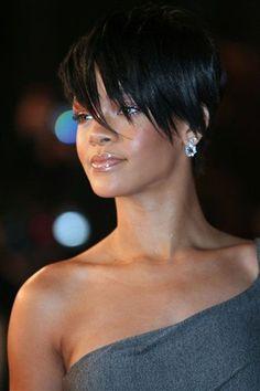 Top 10 Rihanna Hairstyles