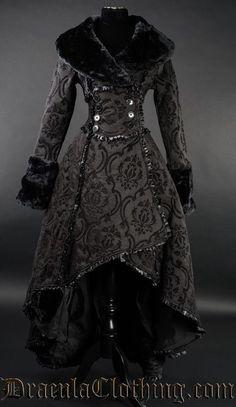 Damen Mantel Gothic Lolita Evil Queen Coat Victorian RQ Barock Dracula Black neu in Kleidung & Accessoires, Damenmode, Jacken & Mäntel Gothic Dress, Gothic Outfits, Gothic Lolita, Gothic Girls, Steampunk Clothing, Steampunk Fashion, Victorian Fashion, Gothic Clothing, Steampunk Coat