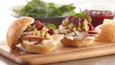The ultimate leftover turkey sandwich is a delicious combination of your Thanksgiving leftovers – roast turkey, stuffing and cranberry sauce – layered in a dinner roll. Greenbean Casserole Recipe, Casserole Recipes, Spinach Casserole, Pumpkin Vegetable, Turkey Sandwiches, Leftover Turkey, Roasted Turkey, Dinner Rolls, Salad Recipes