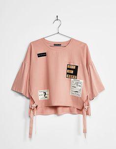 Camiseta manga campana parches - Camisetas - Bershka España