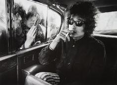 Bob Dylan Picture 1960'lar Stil Kıvırcık Saç 800x583 Bob Dylan: Protesto Şık Sesi