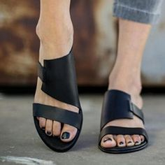 REAVE CAT summer women shoes round peep toe flat sandals slip on beach footwear outside Black White zapators Large size 44 46 Simple Sandals, Black Flat Sandals, Leather Sandals Flat, Flat Shoes, Zapatillas Casual, Peep Toe Flats, Shoes Flats Sandals, Ankle Strap Flats, Shoes Sneakers