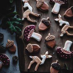 Soft Sugar Cookies (paleo, grain-free, refined sugar-free) – The Kitchen McCabe - Cupcakes Comidas Light, Soft Sugar Cookies, Gluten Free Sugar Cookies, Tasty Cookies, Baking Cookies, Christmas Baking, Christmas Cookies, Gingerbread Cookies, Fall Cookies