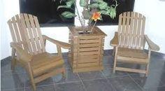 Resultado de imagem para cadeiras de madeira