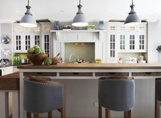 cabinets, island,drawers,Stools, lights