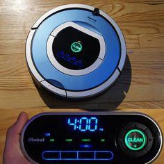 Roomba 790 robotic vacuum with wireless command center