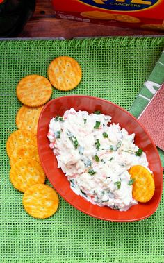 This cold crab dip is the perfect easy dip for the game days since it has to be made in advance to let all of the flavors combine. - Teaspoon Of Goodness Cold Appetizers, Appetizer Dips, Appetizer Recipes, Seafood Appetizers, Party Appetizers, Easter Recipes, Holiday Recipes, Seafood Dip, Seafood Recipes