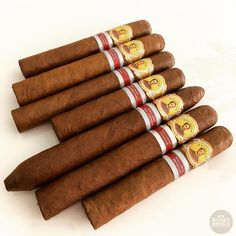 Its SIMONNNN Sunday!! But what would you smoke? . . . #botl #cigaroftheday #cubancigars #cigar #whiskywingman #howiroll #instalife #showpony #justwingit #doyouevendrambro #cigartime #cigarsmoker #nowsmoking #cigarstyle #cigarsocial #cigarworld #cigarporn #cigaraficionado #cigars #cigarpic #scottishcigarsmoker #tartancigarmilitia #cigarstocelebrate #habanos #sharetheleafsharethelove #cigarphotography #cigarlover #cigarlife Famous Cigars, Cuban Cigars, Good Cigars, Cigars And Whiskey, Best Alcohol, Cigar Humidor, Cigar Room, Pipes And Cigars, Wine And Liquor