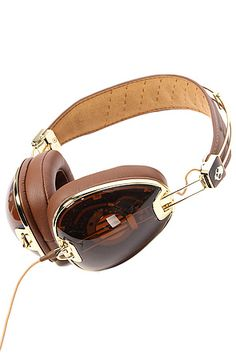 Skull Candy Aviator Headphones with Mic in Brown.   These are great headphones and fold up into their own protective carry case.