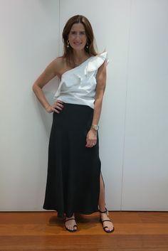 I Dress Your Style: LOOK ANIVERSÁRIO! Waist Skirt, High Waisted Skirt, Ruffles, Ideias Fashion, Style Inspiration, Skirts, Night, Party, Skirt