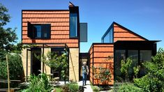 Terracotta tiles and reclaimed bricks clad the walls and roofs of this house in an inner suburb of Melbourne, which Austin Maynard Architects designed for a keen gardener. Cabana, Melbourne Suburbs, Recycled Brick, Cabinet D Architecture, Tower House, Victorian Cottage, Biggie Smalls, Building A New Home, Architect Design