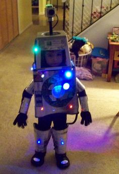 robot costume for kids | Last month I assembled the robot costume and after numerous fittings ...