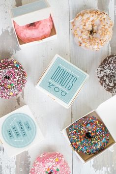 "For all of you who don't know, it's National Donut Day! Whoo-hooo -- an excuse to eat some donuts! Leaving you all with our most popular donut project. the ""I'm Donuts Over You"" printable! Wedding Favors And Gifts, Modern Wedding Favors, Party Favours, Gift Wedding, Wedding Things, Donut Party, Give Aways Wedding, Edible Favors, Edible Wedding Favors"
