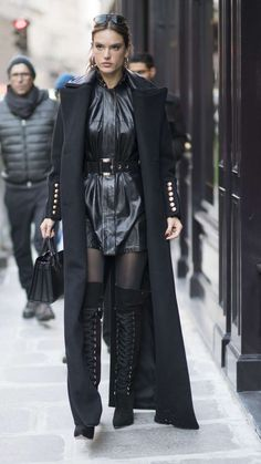 Alessandra Ambrosio, Victoria Secret Angels, Victoria Secret Fashion Show, Balmain, Alexander Mcqueen, Wolford Tights, Stylish Outfits, Fashion Outfits, Leder Outfits