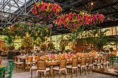 """83 curtidas, 2 comentários - Constance Zahn (@constancezahn) no Instagram: """"As janelas amplas do salão do @terrasdeclara proporcionam um casamento com atmosfera de festa ao ar…"""""""