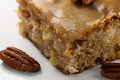 kruizing with kikukat: Feels Like Fall: Fresh Apple Cake wonderful! Köstliche Desserts, Delicious Desserts, Dessert Recipes, Yummy Food, Fall Recipes, Sweet Recipes, Apple Cake Recipes, Apple Cakes, Fresh Apple Cake