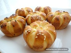 ... Choux Pastry, Romanian Food, What To Cook, Fish And Seafood, International Recipes, Cake Cookies, No Bake Cake, Baking Recipes, Cooking Tips