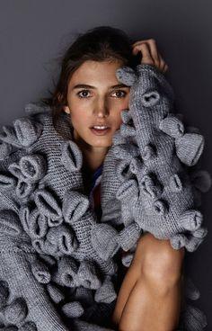 Sweater by Anna Duzinska fot. by Zosia Promińska, model Kamila Szczawińska