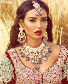 If you are going to be a bride soon and already know what you'll be wearing on your functions, then the next step is getting the perfect wedding makeup. Here are some Indian bridal makeup images to help you pick what you want. Indian Wedding Makeup, Indian Makeup, Indian Wedding Jewelry, Indian Wedding Outfits, Wedding Beauty, Indian Jewelry, Bridal Jewelry, Indian Weddings, Arabic Makeup