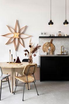 Kitchen Design, Kitchen Decor, White Chandelier, Unique Lamps, Scandinavian Interior, Christmas Home, Vintage Decor, Cool Kitchens, New Homes