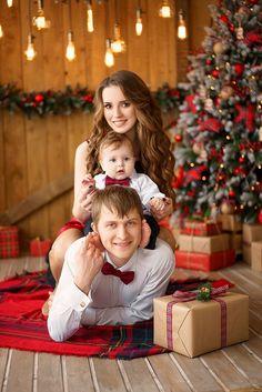 Christmas Photo Booth, Xmas Photos, Christmas Portraits, Family Christmas Pictures, Family Christmas Outfits, Baby Family Pictures, Christmas Photography, Shooting Photo, Ideas