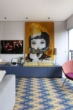 Ambientes coloridos e marcenaria inteligente em 60 m²