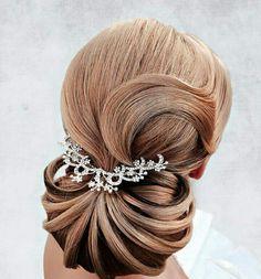 Nuestro facebook: peluquería y estética hermanas cano. ¡imposible recogido de novia más elegante!