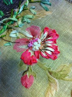 Wonderful Ribbon Embroidery Flowers by Hand Ideas. Enchanting Ribbon Embroidery Flowers by Hand Ideas. Silk Ribbon Embroidery, Hand Embroidery Patterns, Embroidery Stitches, Sewing Patterns, Embroidery Supplies, Ribbon Art, Embroidery Techniques, Fabric Flowers, Printing On Fabric