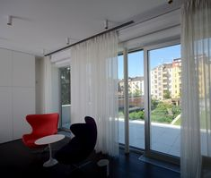 #diamonddeesigncz #diamonddesigneu #curtains #drapery #sheers #imbetween #luxuryliving #styleliving #sunprotection #zastineni #fabrics #designfabrics #luxuryfabrics #interiordesign #interierovydesign #zavesy #zaclony #textile #designovelatky #stylovezavesy #divcipokoj #loznice #bedroom #nebesa Drapery, Curtains, Roman Blinds, Decorative Cushions, Pent House, Luxury Living, Interior Design, Bedroom, Fabric