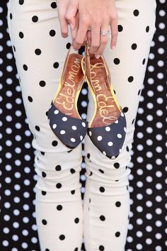 love the bit of yellow on these polka dot shoes. //Be Trendy: Wear Polka Dots Designs Sweater Weather, Estilo Lolita, Dots Fashion, Fashion Shoes, Girl Fashion, Fashion Clothes, Inspiration Mode, Slingbacks, Slingback Flats