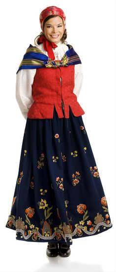 """""""Reconstructed grafferbunad"""" with green damask waist and blue embroidered skirt from Lom, Gudbrandsdalen, Oppland, Norway (I think the damask waist have more color options) Folk Costume, Costume Dress, Traditional Fashion, Traditional Dresses, Norwegian Clothing, Costumes Around The World, Folk Clothing, Kinds Of Fabric, Folk Fashion"""