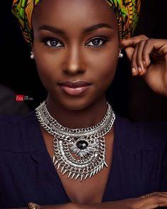 dark skin girls Beauty From West Africa Beautiful Dark Skinned Women, Beautiful Black Girl, Beautiful Women, Maquillage Black, Dark Skin Girls, Black Girl Aesthetic, Dark Skin Beauty, Ebony Beauty, African Beauty