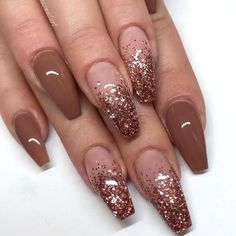 new years nails glitter / new years nails ; new years nails acrylic ; new years nails gel ; new years nails glitter ; new years nails dip powder ; new years nails design ; new years nails short ; new years nails coffin Gel Nails At Home, My Nails, Long Nails, Short Nails, How To Do Nails, Nice Nails, Ombre Nail Designs, Acrylic Nail Designs Glitter, Brown Nail Designs