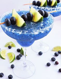 Fresh Frozen Blueberry Lime Margarita - Beautiful Eats & Things What's better than an ice-cold margarita? A cold, Fresh Frozen Blueberry Lime Margarita with FRESH blueberries and lime! Party Drinks, Cocktail Drinks, Fun Drinks, Alcoholic Drinks, Beverages, Camping Drinks, Tequila, Vodka, Frozen Margaritas