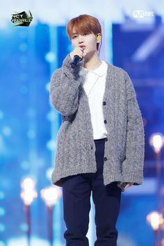 Nct Taeil, Le Net, Nct Yuta, The Big Hit, Jung Woo, Scene Photo, Make A Wish, Taeyong, Boyfriend Material