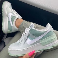 Nike Air Force 1 brand new colorway, they are a dream be quick girls! Dr Shoes, Cute Nike Shoes, Swag Shoes, Hype Shoes, Shoes Sneakers, Nike Custom Shoes, Girls Sneakers, Green Nike Shoes, Casual Sneakers