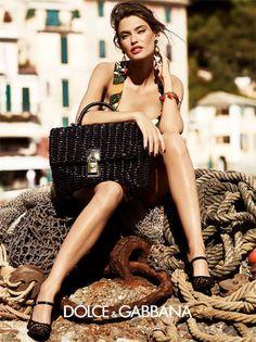 Le soleil et Bianca Balti. Dolce & Gabbana Printemps 2012