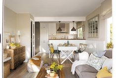 This charming apartment in warm tones in Spain is surrounded by a beautiful natural park, so the owners in interior design wanted to recreate the ✌Pufikhomes - source of home inspiration Living Room Kitchen, Living Room Decor, Decor Interior Design, Interior Design Living Room, Design Studio, House Design, Living Pequeños, Best Decor, Design Case