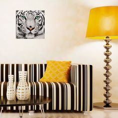 """Картина 48 х 48 см """"Суматранский тигр"""" (декоративное стекло) 949 руб. Ссылка для заказа: http://decoretto.ru/art/glass/kartina-48-h-48-sm-sumatranskiy-tigr-dekorativnoe-steklo/"""